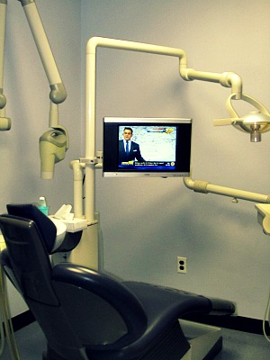 174_Examination_Room_Eugene_Khaytsin_DDS_Brooklyn_New_York_11223.jpg