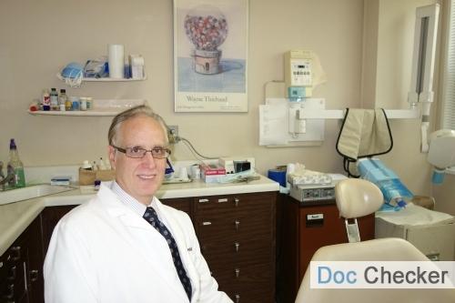 66755_Dr_Arthur_Feigenba_m_Forest_Hills_Queens_Dentist_Docchecker_(1).JPG